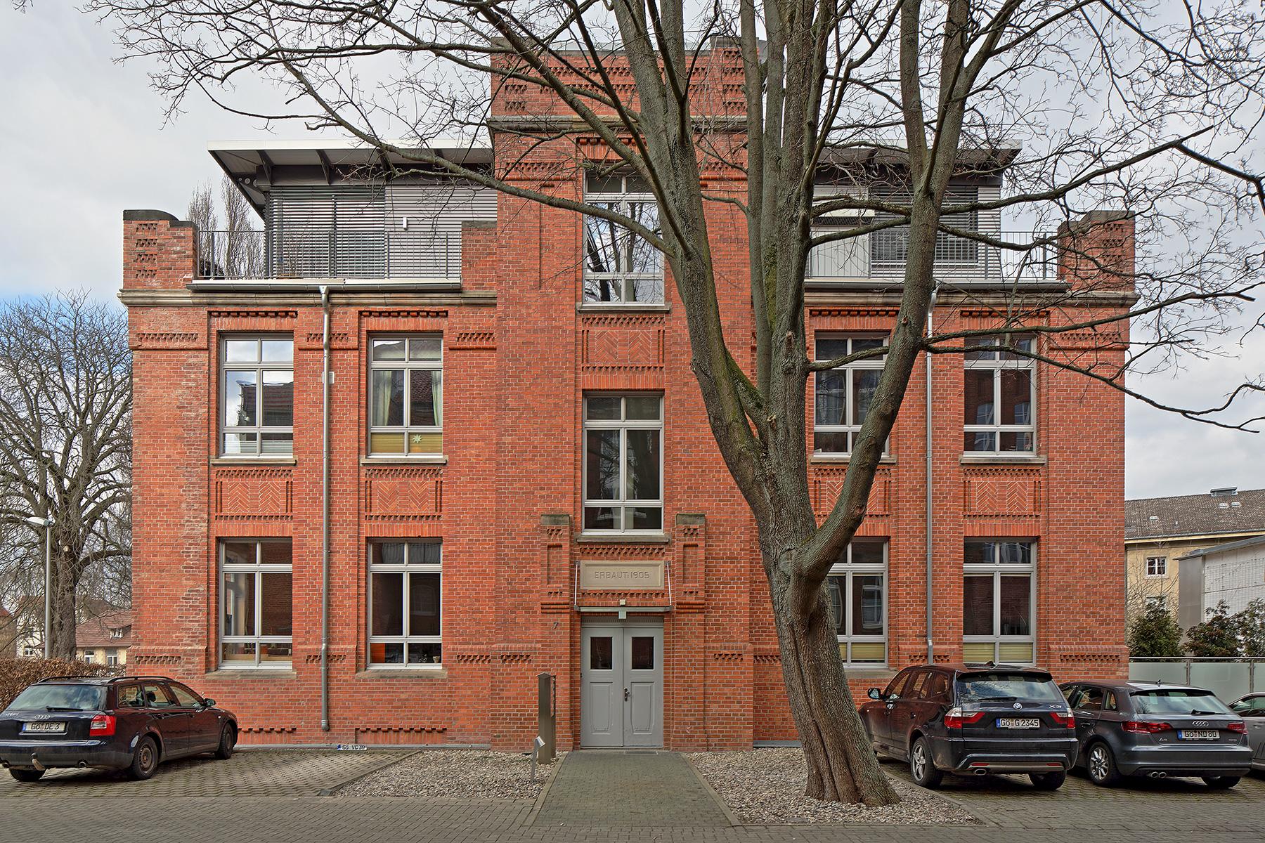 Bunsenstrasse-7-Front-Querformat