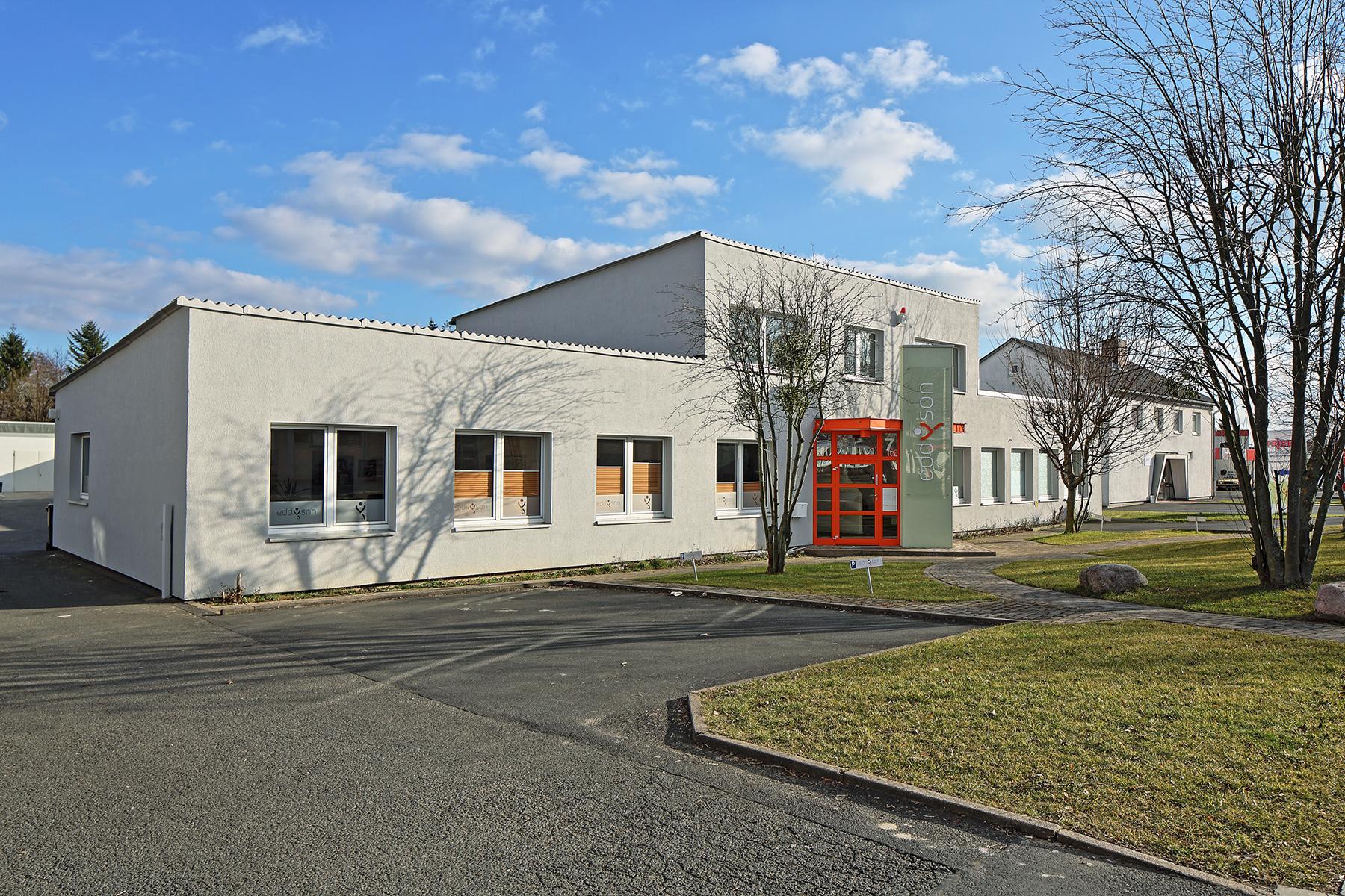 Rudolf-Winkel-Str.-7-seitlich-von-links